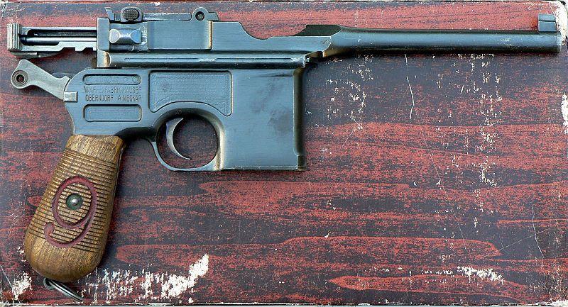800px-Mauser_C96_M1916_Red_9_3.JPG
